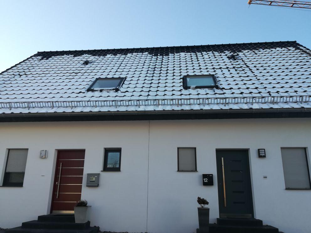Winter Schneelast berechnen, Dach mit Schneefänger
